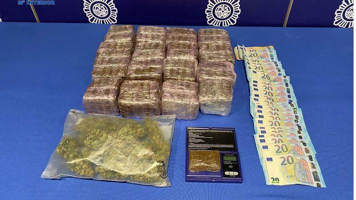 Detenidas cuatro personas que usaban un piso en Son Espanyolet para vender droga