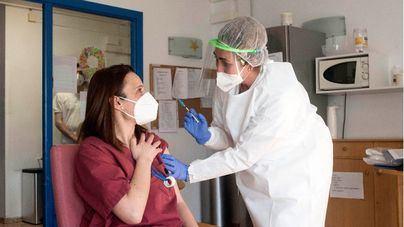 Semana récord de vacunas en España con más de dos millones de dosis inyectadas