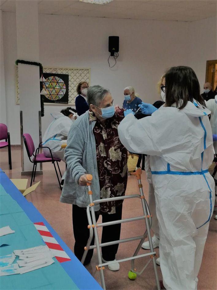 Alemania inyectará otra vacuna como segunda dosis a los que ya recibieron la de AstraZeneca