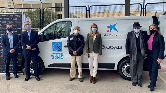 Fundación 'la Caixa' y Autovidal entregan dos nuevos vehículos a Banco de Alimentos y Monti-sion Solidaria