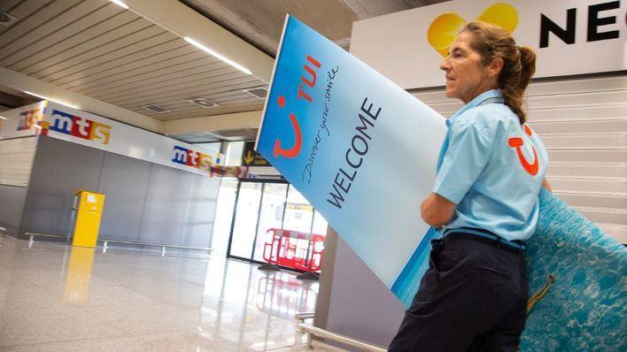 TUI dará una prima extra de 3.000 euros a los trabajadores mayores de 55 años afectados por el ERE