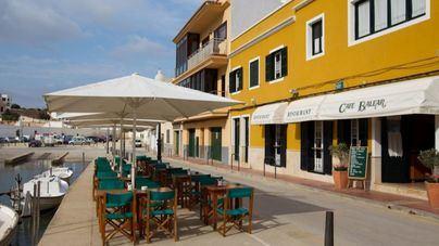 Los restaurantes de Menorca podrán abrir sus terrazas hasta las diez de la noche los fines de semana
