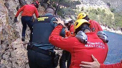 Un hombre de 80 años es rescatado en Cala Murta (Pollença) tras caer por un acantilado