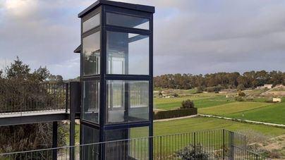 Autorizan el uso del ascensor de Lloret que conecta la escuela y el barrio