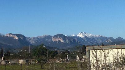 Chubascos y cota de nieve en los 1.000 metros este domingo en Baleares