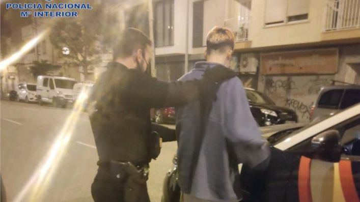 Dos detenidos por robar en el interior de coches en Foners