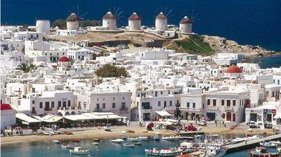 Las islas griegas compiten con la oferta turística de Mallorca a base de más vacunación