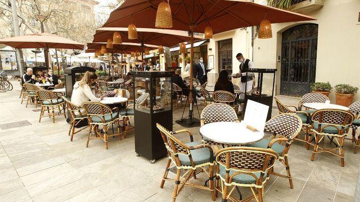 Baleares encabeza la caída de facturación en el sector servicios en febrero
