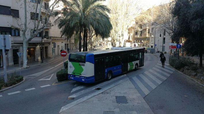 Palma presenta los 23 nuevos autobuses de la EMT