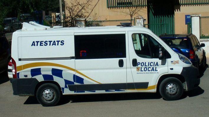 Un pasajero provoca una trifulca en un bus de Santa Eulària por negarse a usar la mascarilla