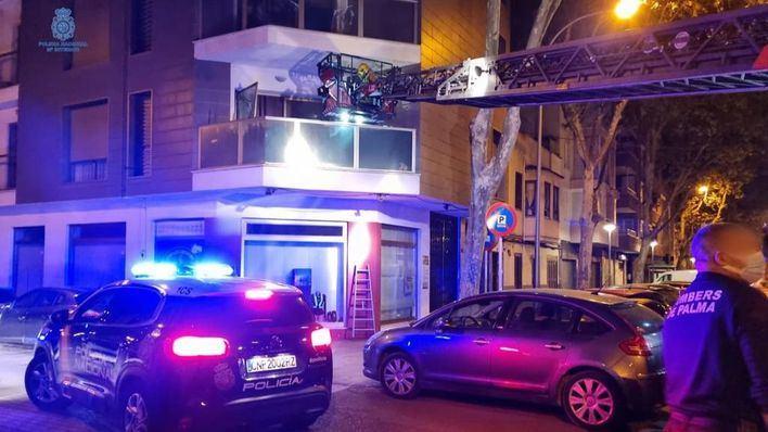 Cuatro detenidos por robar en un piso de la Soledat Nord