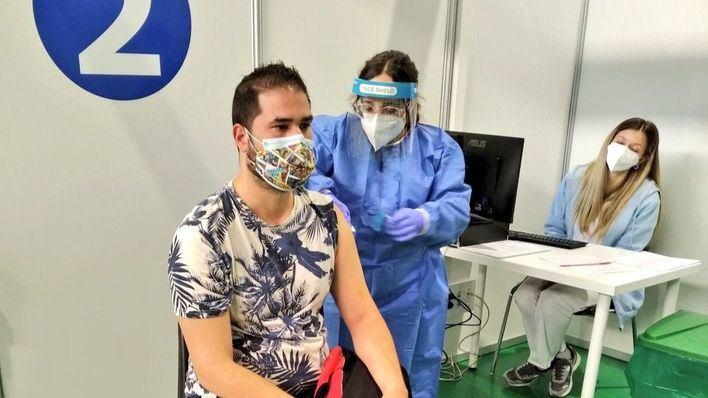 Nuevo récord de vacunación: casi medio millón de vacunas en un solo día