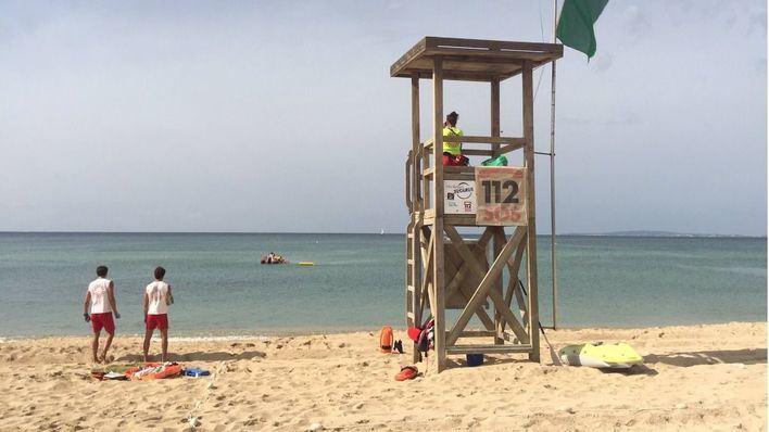 Las playas de Palma cuentan desde este sábado con los servicios de vigilancia y socorrismo habituales