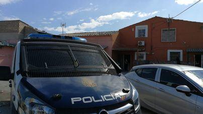 Sorprenden a dos hombres con un coche robado y documentación falsificada en Son Banya