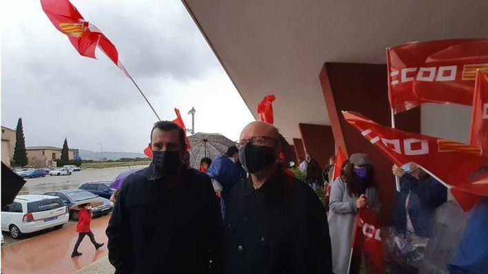 Los sindicatos reivindican en la calle una salida