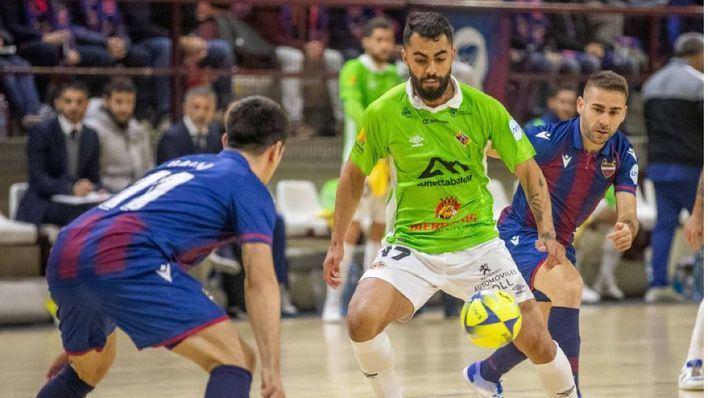 El Palma Futsal roza el liderato tras una sufrida victoria ante el Levante