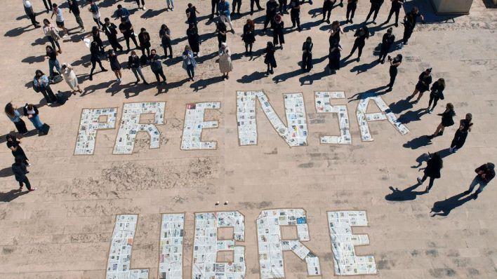 Alumnos del CESAG reivindican de luto un periodismo libre y seguro