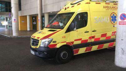 Herido muy grave un motorista de 64 años tras un accidente en la plaza de España