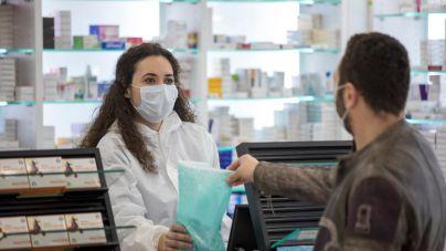 Los baleares de entre 60 y 69 años pueden pedir cita en las farmacias para vacunarse