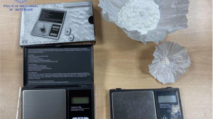 Detienen a una pareja dedicada a la venta de cocaína en su domicilio de Ciutadella