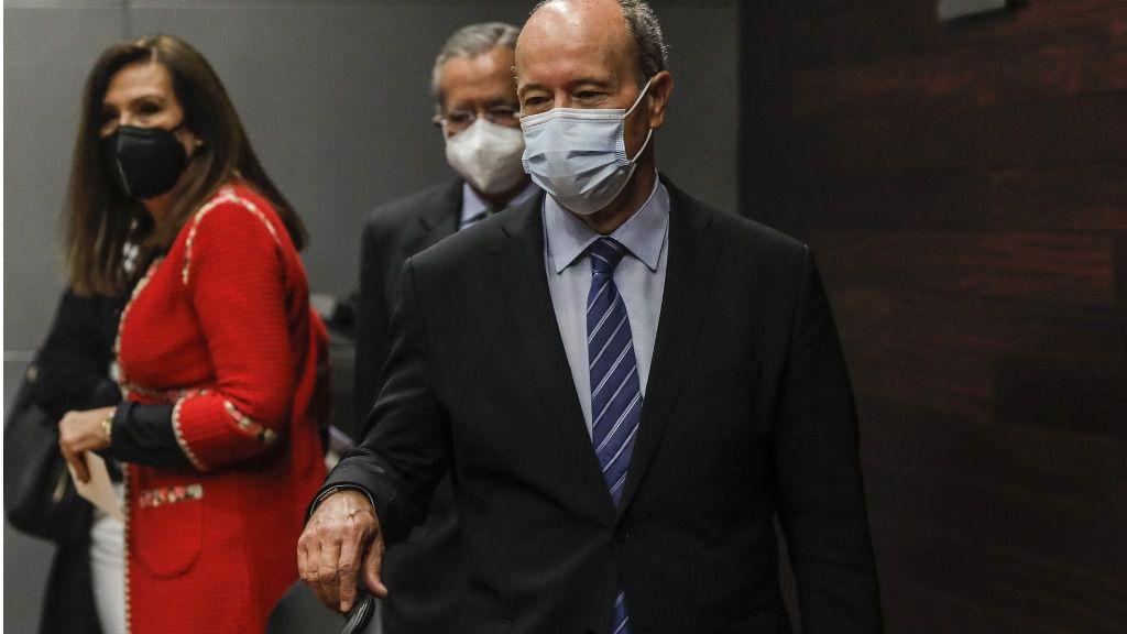 El ministro de Justicia reconoce que las autonomías no podrán mantener el toque de queda