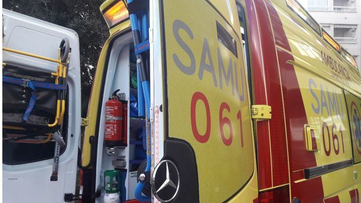 Dos heridos, uno de ellos de gravedad, tras la colisión de un coche y una moto en Port de Pollença