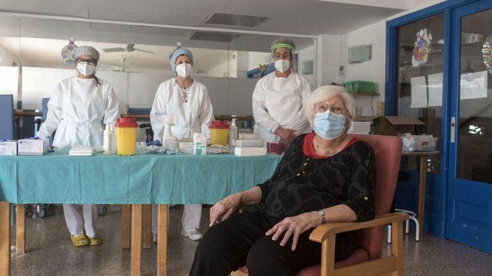 El Govern urge a pedir cita a los no vacunados de 60 a 69 años