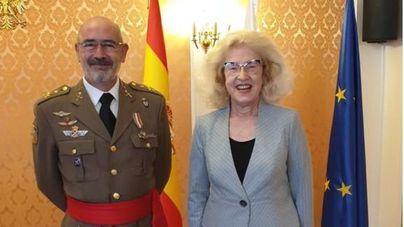 Polonia condecora al Comandante General de Baleares