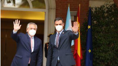 Sánchez reacciona frente a las críticas: 'El estado de alarma es el pasado, y la vacunación, el futuro'