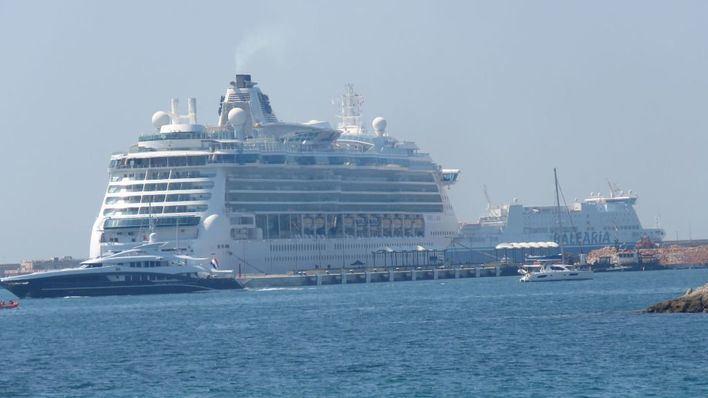 El Parlament acepta instar al Govern a que aplique el protocolo sanitario en los cruceros