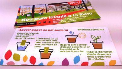 Cort promociona el parque de sa Riera repartiendo folletos que se pueden sembrar