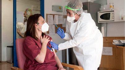 Salut habilita otras 20.000 citas para vacunar a personas de 55 a 59 años