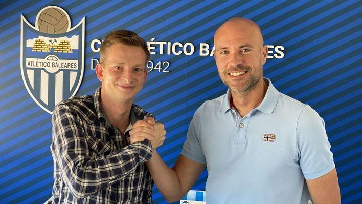 El Atlético Baleares renueva a su entrenador, Xavi Calm, para que dirija al equipo en la Liga Pro
