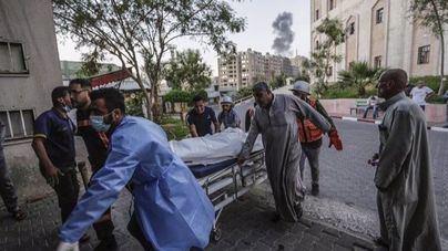 Se intensifican los combates entre palestinos e israelíes con más de un centenar de muertos