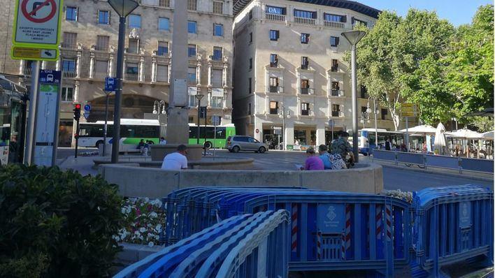 Cort cierra la plaza de las Tortugas para evitar aglomeraciones de aficionados del Mallorca