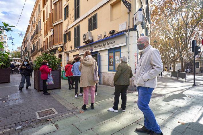 Sexto día consecutivo con menos de un centenar de fallecidos por Covid en España