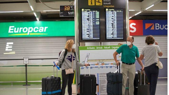 Los aeropuertos de las Islas operan 512 vuelos