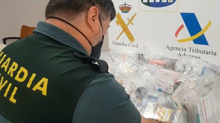 Intervenidos en el aeropuerto varios envíos de medicamentos destinados a particulares