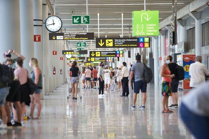 Los aeropuertos de Baleares recibirán este fin de semana 1.738 vuelos, 1.139 internacionales