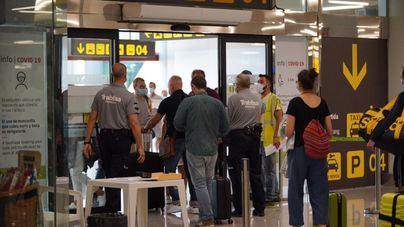 Apoyo masivo a la entrada libre en Baleares para los pasajeros españoles ya vacunados