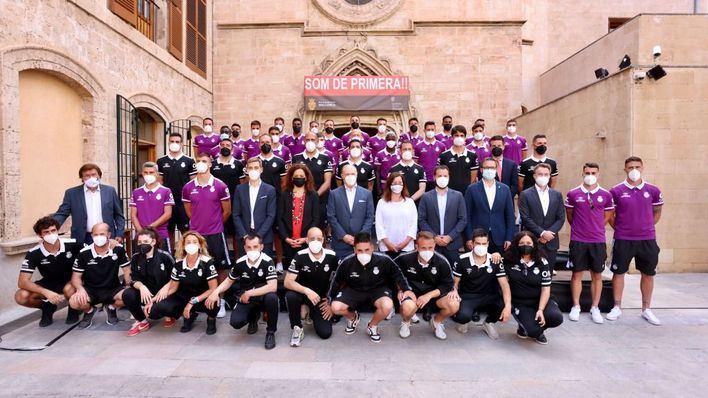 Las instituciones agasajan al Real Mallorca por su brillante ascenso a Primera División