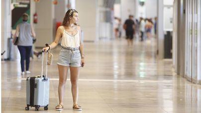 Sólo uno de cada cuatro encuestados ha solicitado el bono para viajar a otra isla