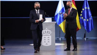 Naviera Armas recibe la Medalla de Oro de Canarias 2021
