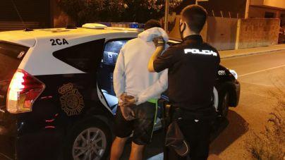 Dos detenidos con antecedentes por robar en coches de sa Indioteria