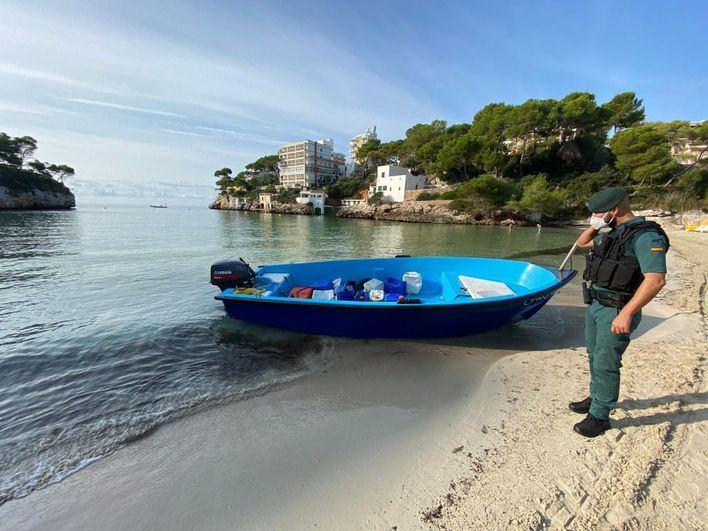 Rescatados 14 migrantes en aguas de Formentera