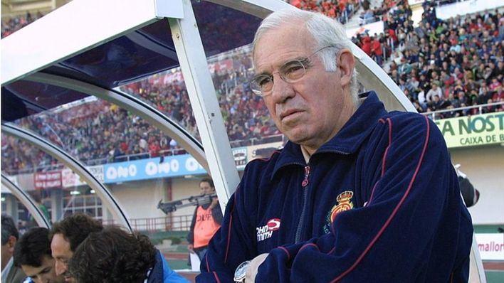Diecisiete años del último partido de Luis Aragonés con el RCD Mallorca