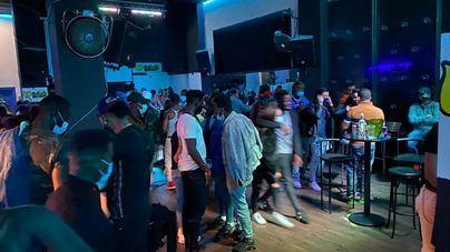 El Gobierno permite abrir las discotecas hasta las 3 y los restaurantes hasta la 1 en Baleares