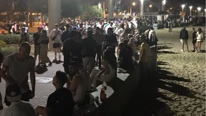 Botellón multitudinario en Playa de Palma la primera noche sin toque de queda