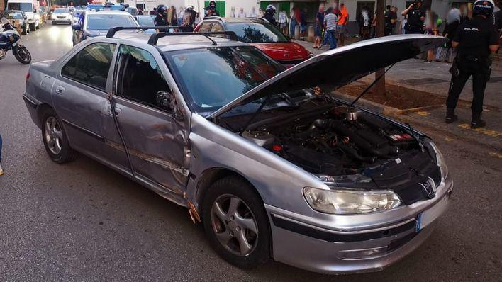 Detenido un joven tras intentar atropellar con un coche a varios viandantes en Son Gotleu