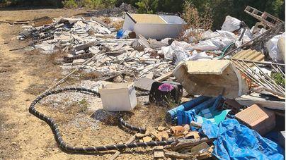 Crecen las protestas contra el gran vertedero ilegal en Marratxí